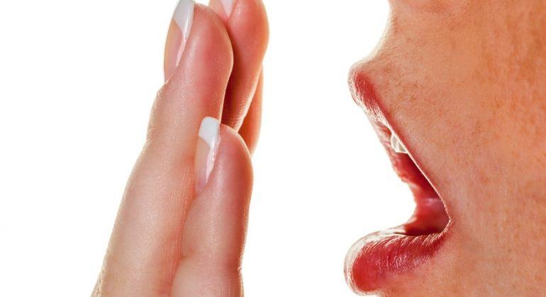Aesthetic-Dental-Halitosis-Bad-Breath